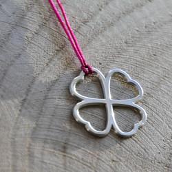 Collier - Coeur de fraternité (cordon soie) - Fushia