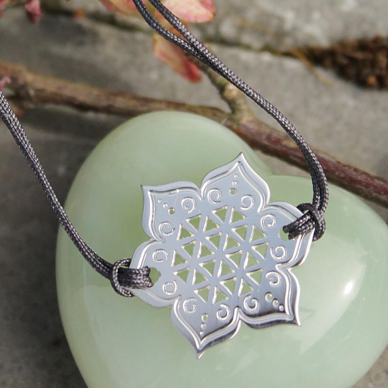 Bracelet Fleur sacrée (cordon soie) - Gris anthracite