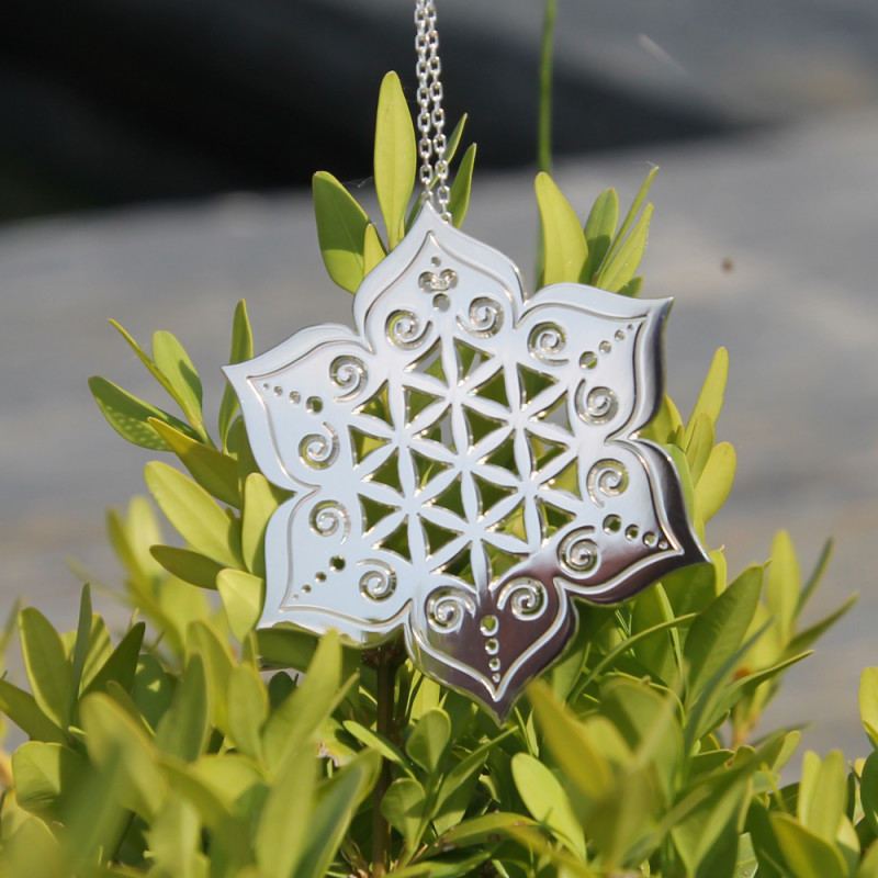 Collier - Fleur sacrée (chaîne en argent)